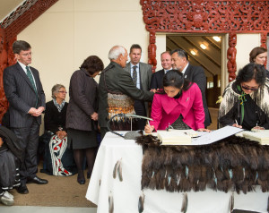 Signing of the Maungaharuru-Tangitū Hapū Deed of Settlement, 25 May 2015